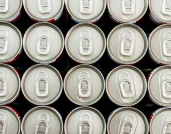41801579 - canettes soda